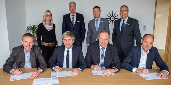 Dr. Volker Pannen (Bürgermeister Stadt Bad Bentheim), Manfred Windhaus (Samtgemeindebürgermeister Schüttorf, Günter Oldekamp (Samtgemeindebürgermeister Neuenhaus), Dieter Lindschulte (Samtgemeinde Emlichheim)